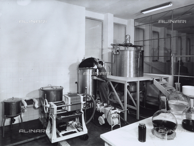 A worker in the Recordati pharmaceutical factory.