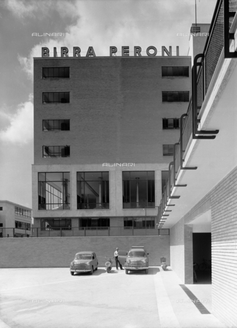 """The Peroni factory in Naples, formerly called """"Birrerie Meridionali di Napoli"""""""