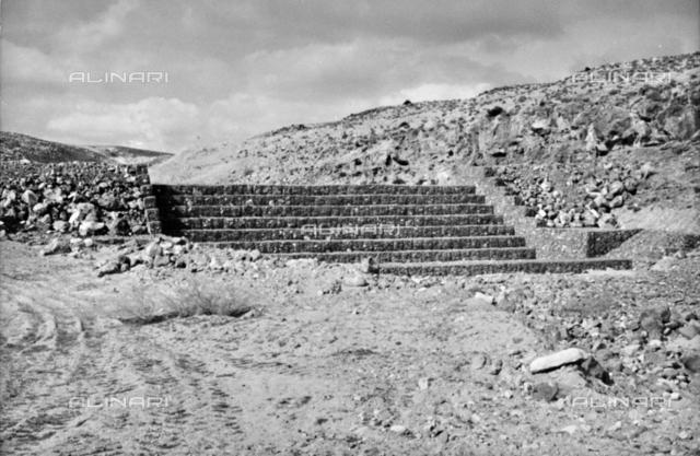 Maccaferri: stone staircase