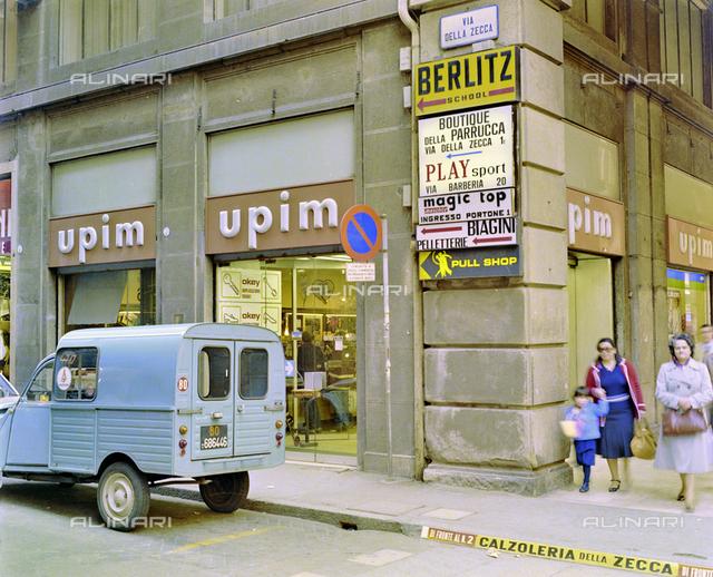 UPIM shop in via della Zecca, Bologna