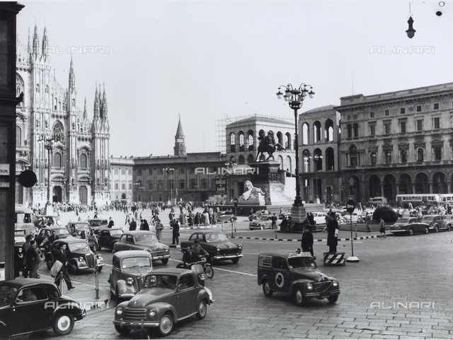Traffic Scene: View of Piazza Duomo, Milan
