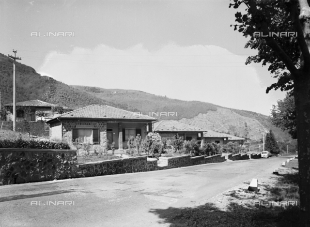 S.M.I.: external view of houses in Campo Tizzoro, San Marcello Pistoiese