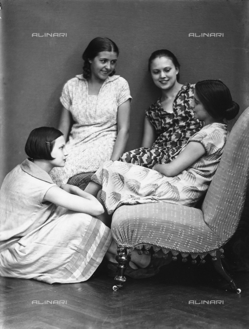 Wanda and Marion Wulz photographed with two friends