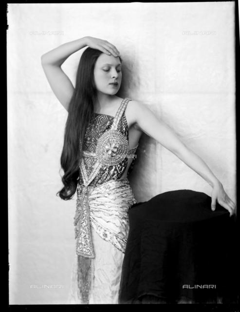 Portrait of Wanda Wulz in egyptian dress