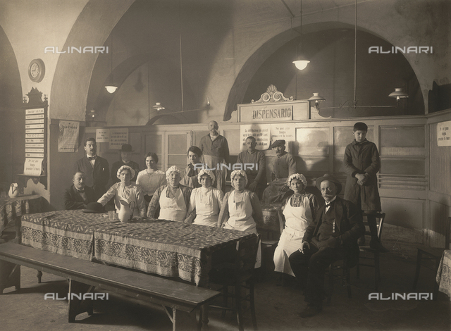 Group photo inside a dispensary during the First World War