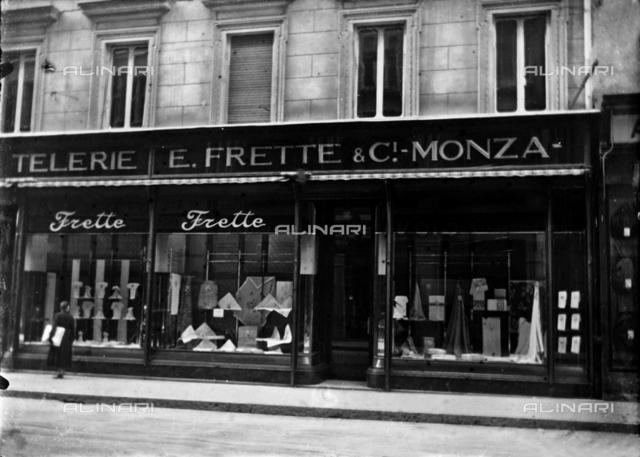 Exterior and shop windows of the Fabbriche Telerie E. Frette shop, Trieste