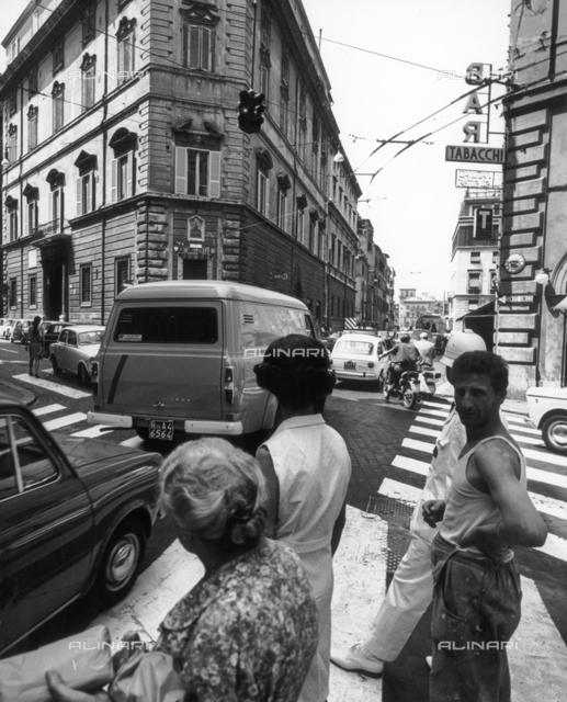 Street scene, view of a crossroads, Rome